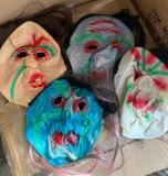 Gummi Maske mit Haare